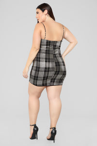 Total Betty Plaid Dress - Black/Gold Angle 8