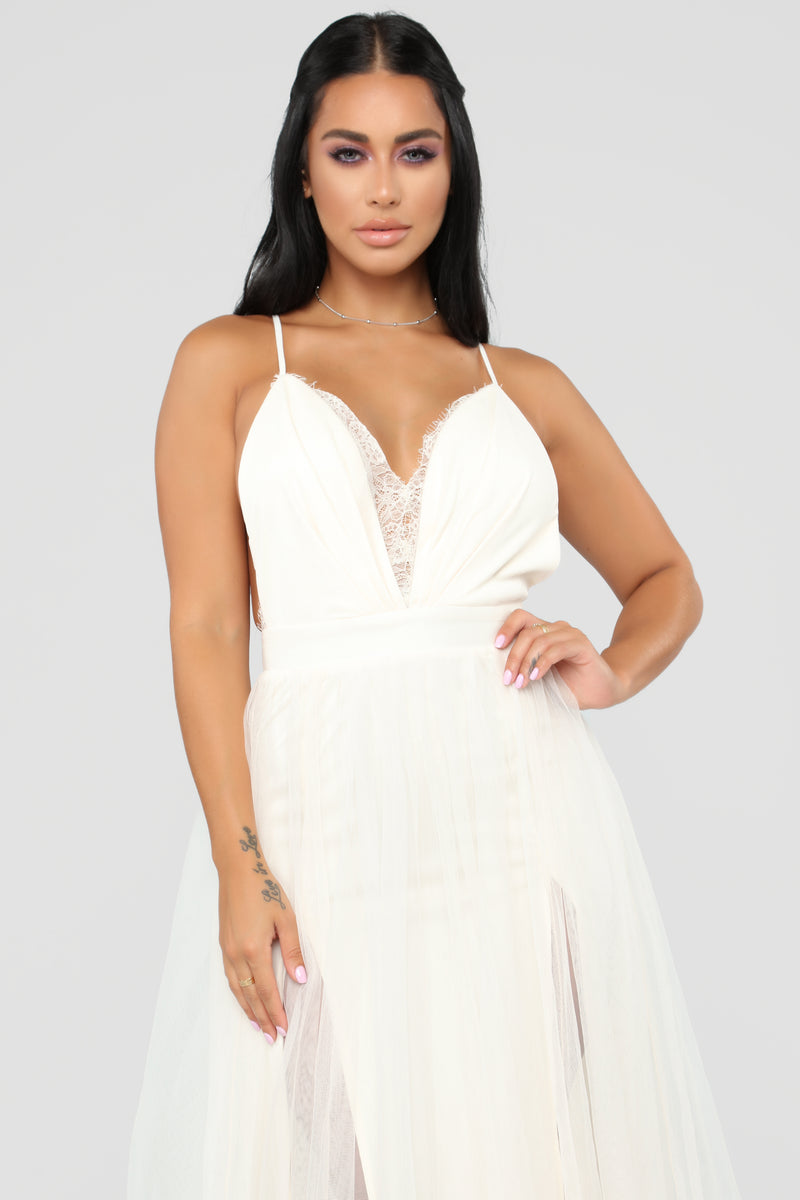 Work The Runway Maxi Dress - Ivory