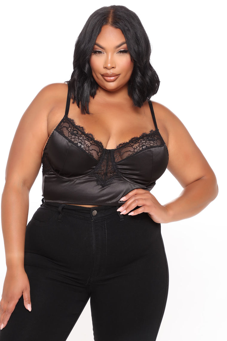 Intimate Setting Cropped Top - Black