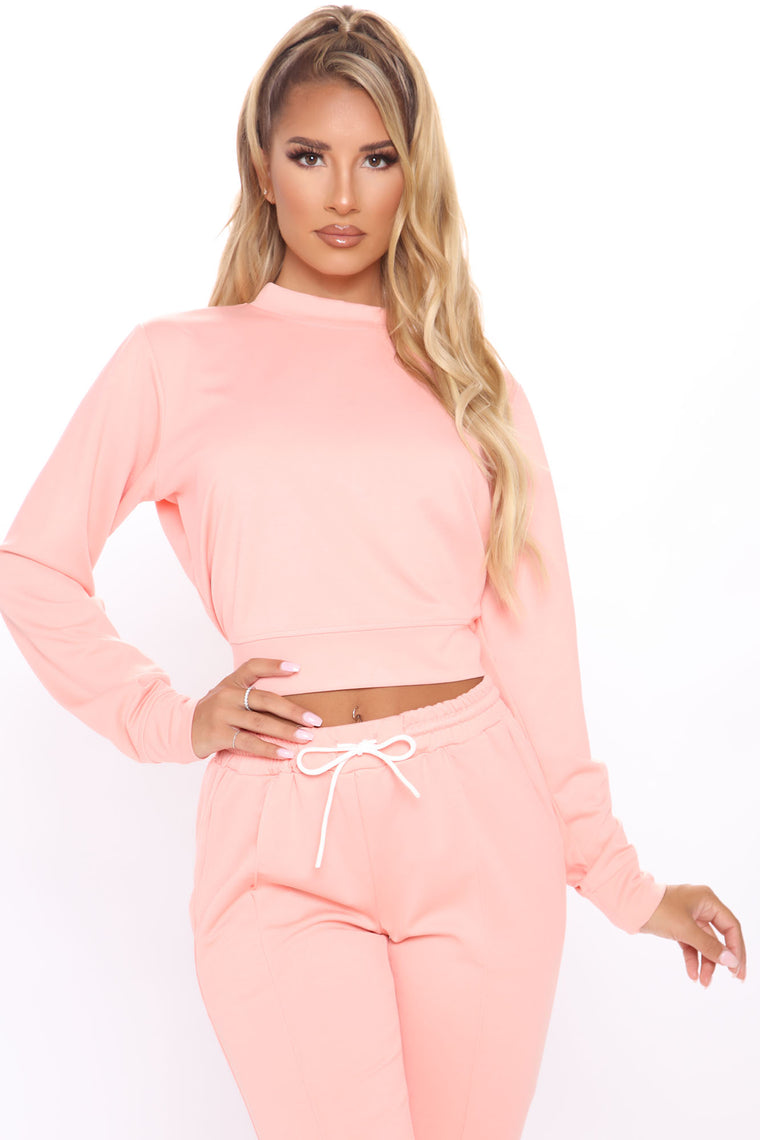 She's Taking Over Pullover And Pant Set - Blush