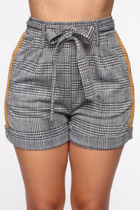 Hadley Plaid Tie Waist Shorts - Black/White