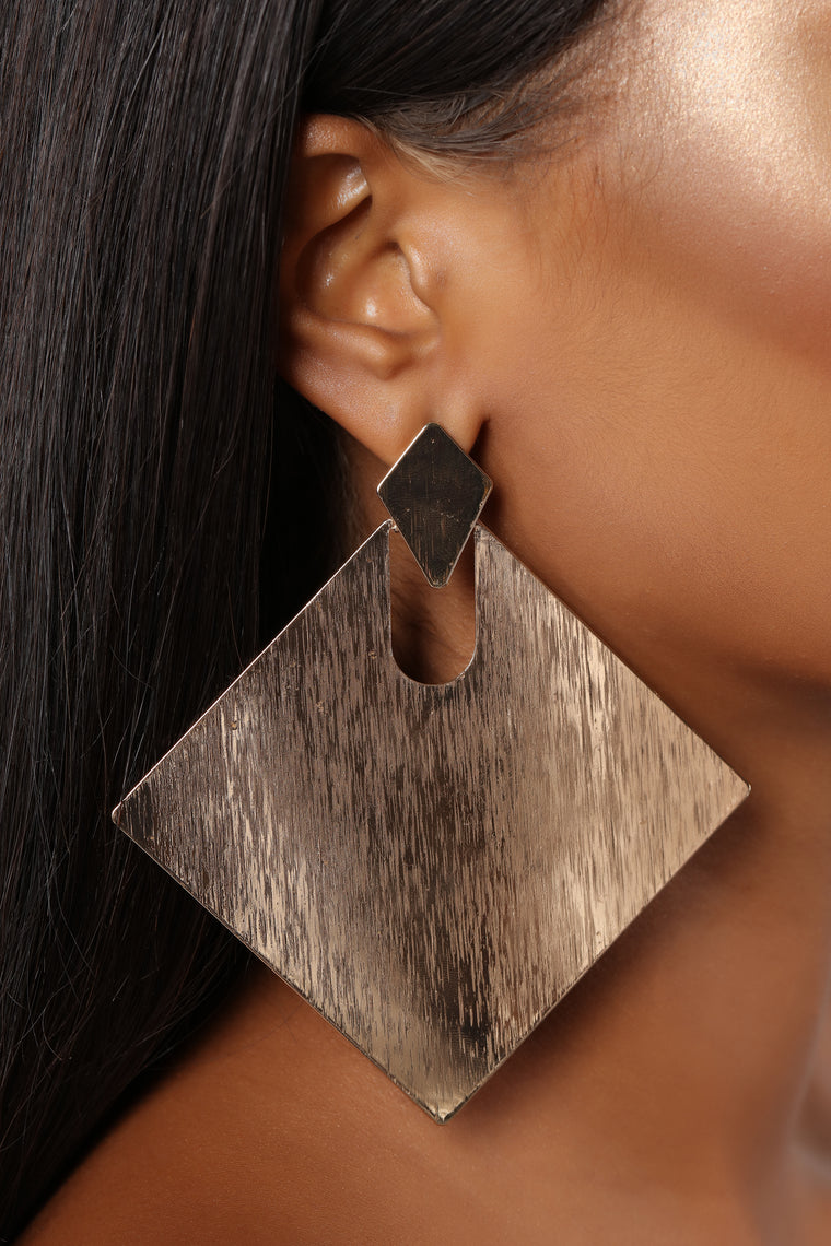 Finish Your Plate Earrings - Gold