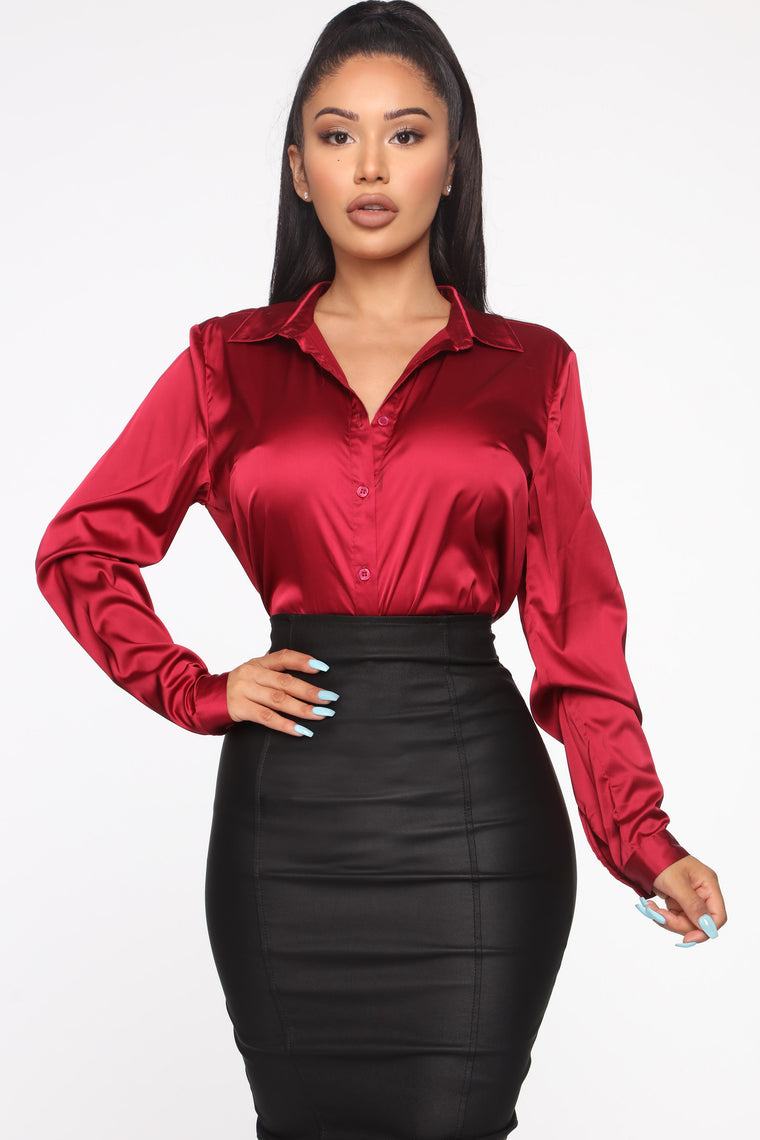 Smooth Talkin' Button Down Top - Burgundy