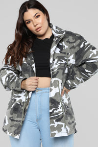 Hide And Play Jacket - Gray Camo