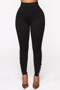 The Only One Leggings - Black Angle 4