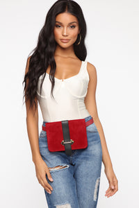 Girl On The Go Fanny Pack - Burgundy