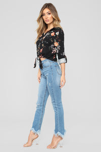 Lounge Lover Front Knot Floral Top - Black/Combo