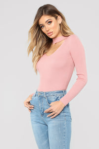 Alecia Choker Neck Sweater - Mauve