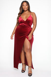Angelique Velvet Maxi Dress - Dark Burgundy Angle 5