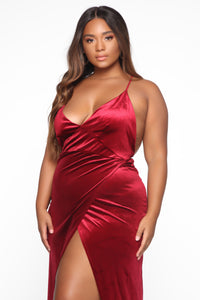 Angelique Velvet Maxi Dress - Dark Burgundy Angle 8