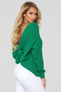 Carianna Twist Front Sweater - Kelly Green