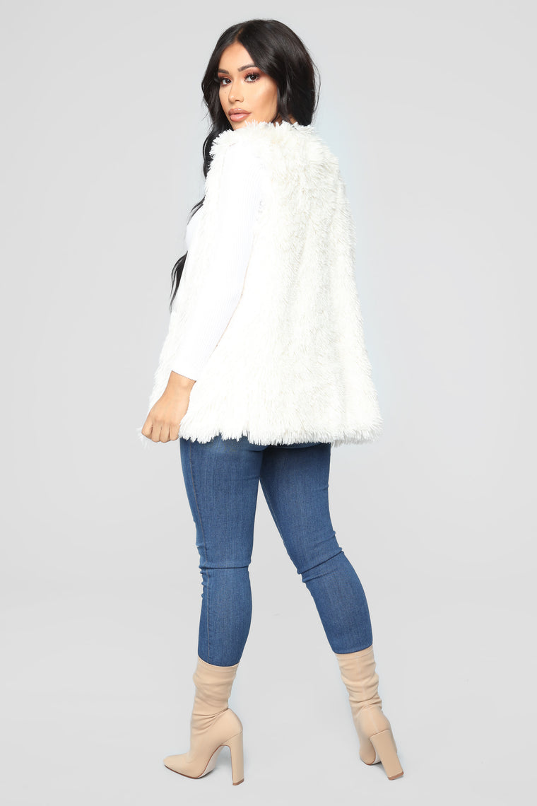 Essential Faux Fur Vest - Ivory