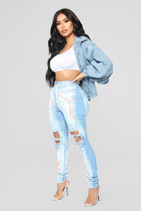 Walking Masterpiece High Rise Skinny Jeans - Light Blue Wash