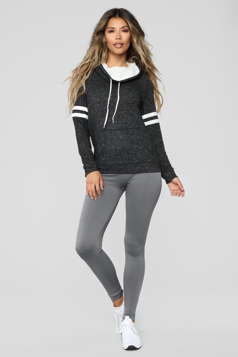 Aleyna Sherpa Lined Pullover Hoodie - Black