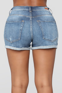 Blowin' In The Wind High Rise Shorts - Medium Blue Wash