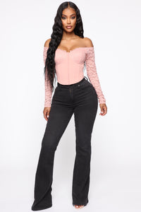 Rosalia Off Shoulder Top - Mauve Angle 2