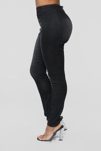 Night And Day High Rise Jeans - Black Angle 4
