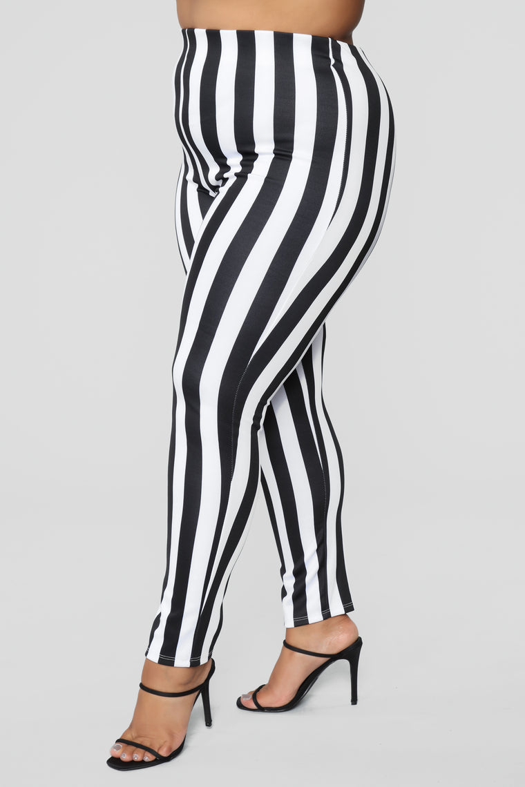 Jump In Line Pant Set - Black/White
