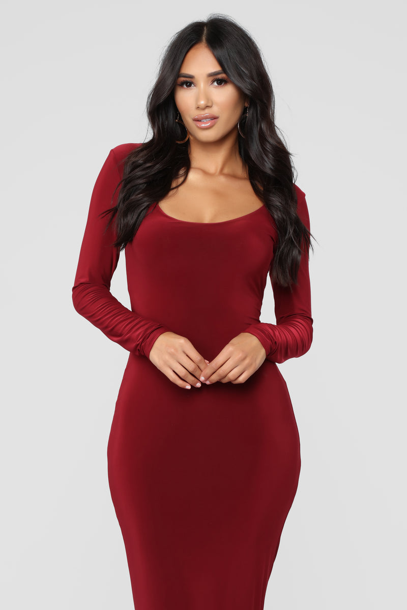 All These Simple Things Midi Dress - Burgundy