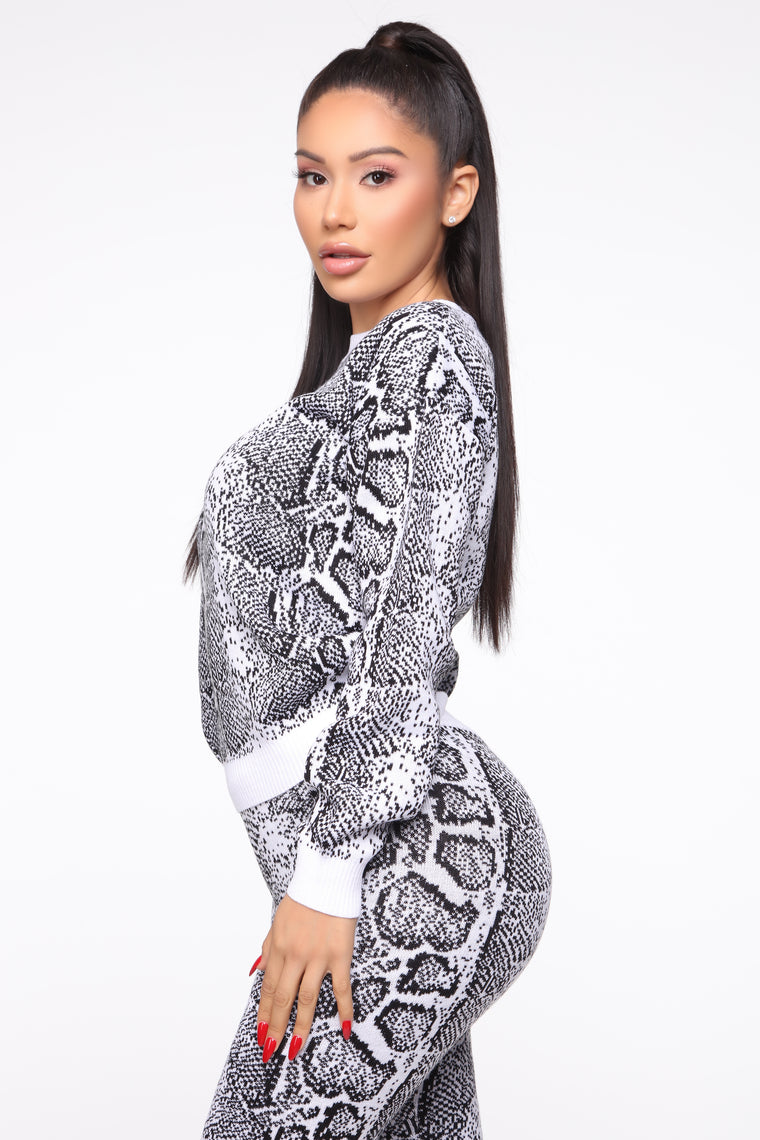 Lose Touch Sweater Set - White/Black