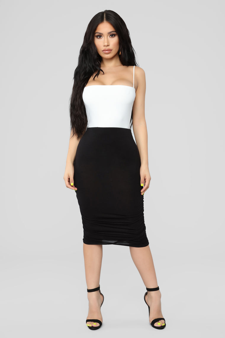 Love On The Side Ruched Skirt - Black