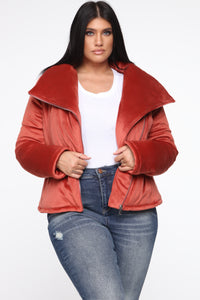 New York Winter Puffer Jacket - Rust Angle 6
