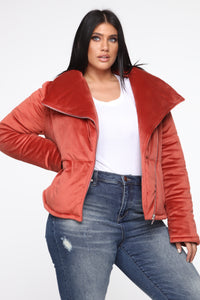 New York Winter Puffer Jacket - Rust Angle 8