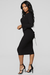 She's Sleek Ribbed Midi Dress - Black