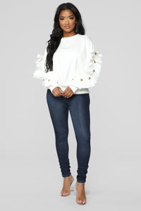 Girl With The Pearl Sweater - Ivory