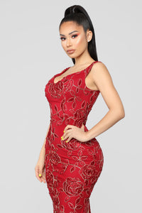Thorns And Roses Dress - Burgundy
