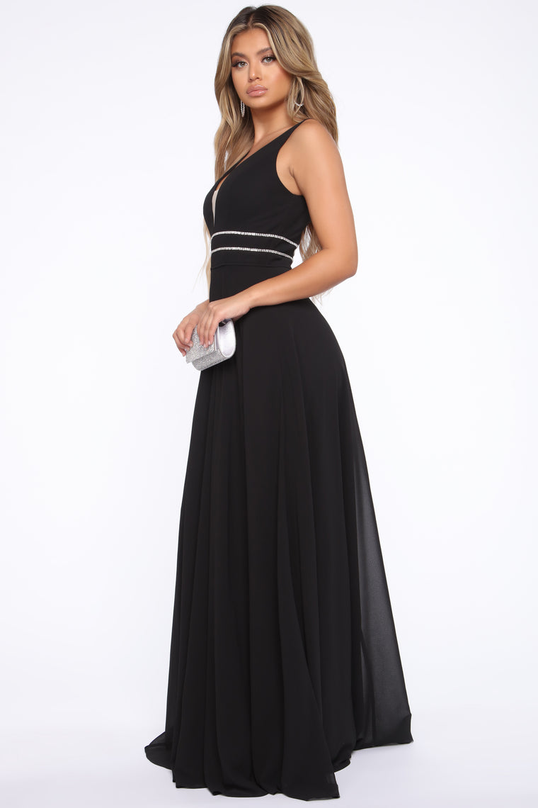 In the Middle Of Shine Maxi Gown - Black