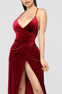 Angelique Velvet Maxi Dress - Dark Burgundy Angle 2