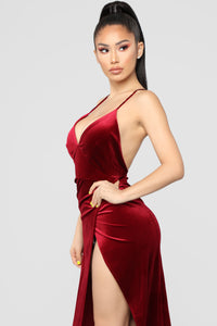 Angelique Velvet Maxi Dress - Dark Burgundy Angle 4