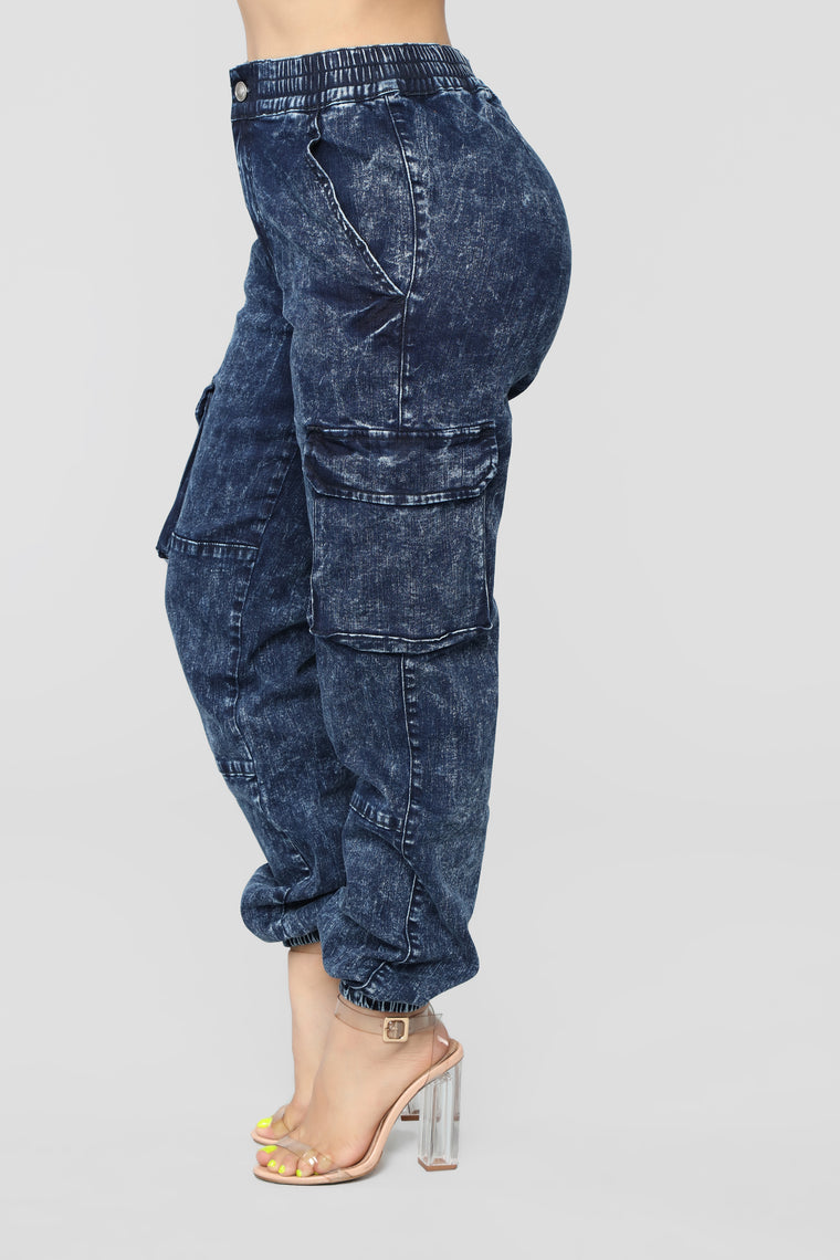 Going Good Cargo Jeans - Acid Wash