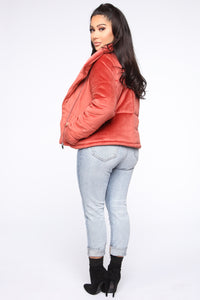 New York Winter Puffer Jacket - Rust Angle 5