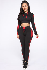 Tennis Courts II Set - Black/Red Angle 3