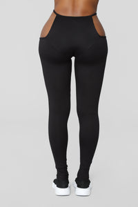 Show Em Off Leggings - Black