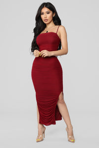 Ruched And Ready Midi Dress - Burgundy