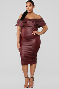 Fall Into Place Dress - Burgundy Angle 5