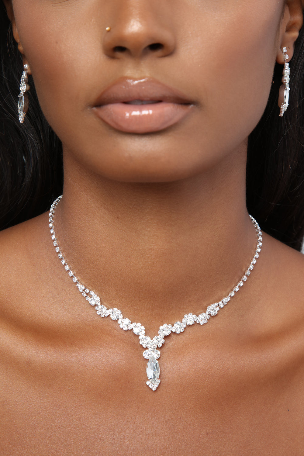 A Class Act Jewelry Set - Silver