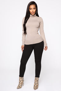 Kylie Ribbed Turtleneck Sweater - Taupe