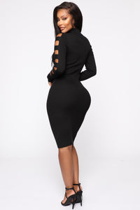 Take Control Midi Dress - Black