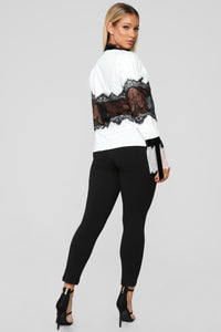 How Darling Chiffon Top - White/Black Angle 6