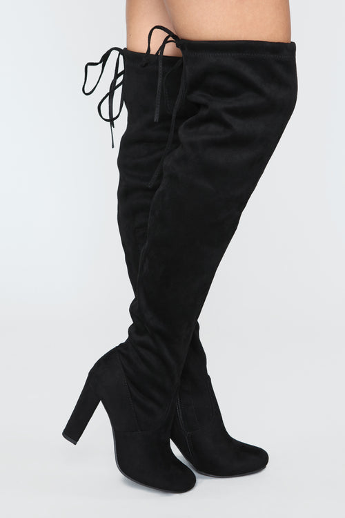 Looking Forward Heeled Boot - Black