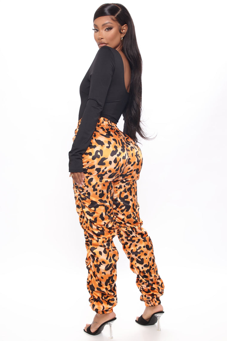 In Disguise Ruched Jogger Pant - Orange/combo