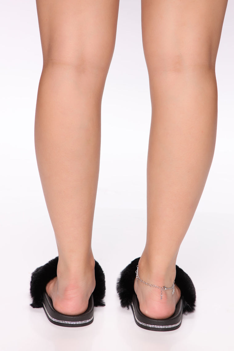Glitz And Glam Fur Sliders - Black