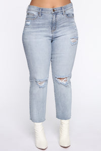 Pucker Up Distressed Mom Jeans - Light Blue Wash Angle 10