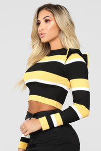 Gotta Buzz Sweater - Yellow/Combo
