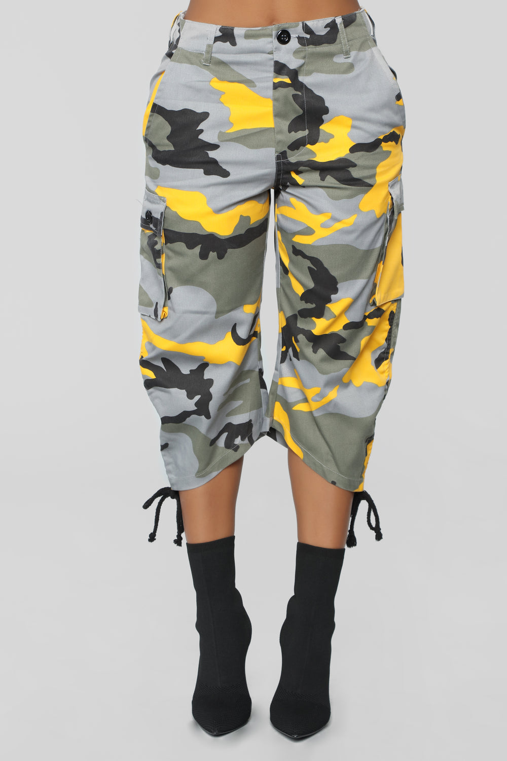 Isabis Cargo Shorts - Yellow