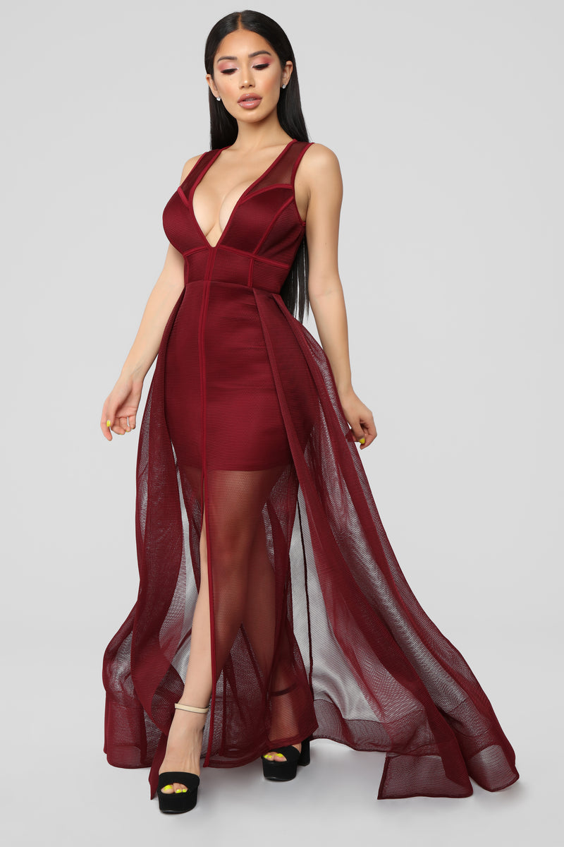 My Heart Is A Mesh Maxi Dress - Burgundy